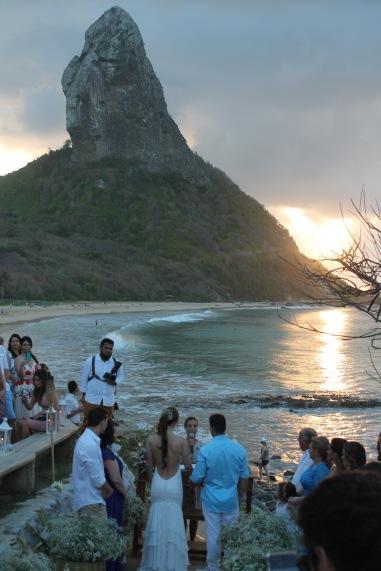 Bar-Meio-Noronha-Brasil