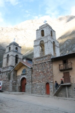 Plaza-Huancaya-Peru