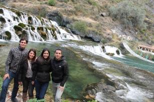 Huancaya-Cascada-Amigos-Peru