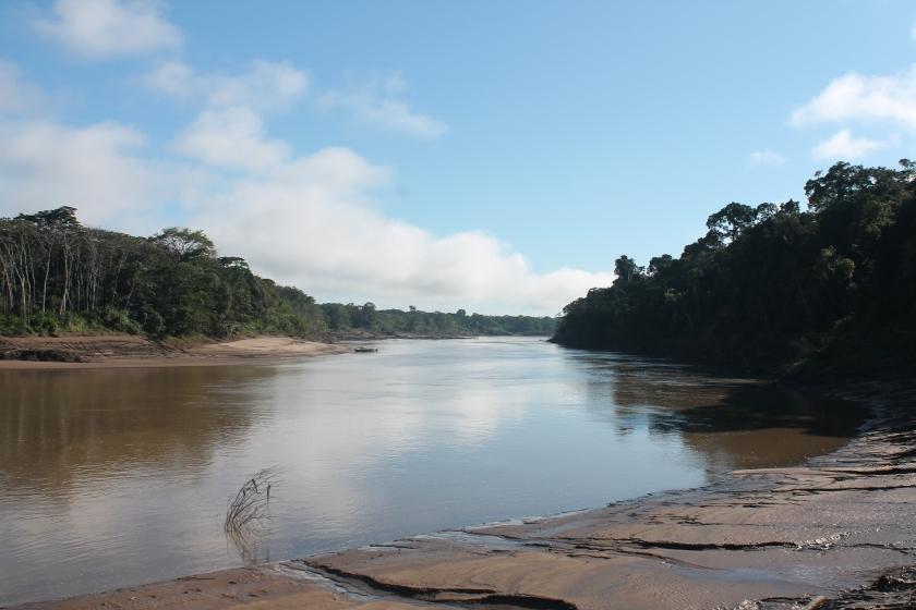 perú-tambopata-río
