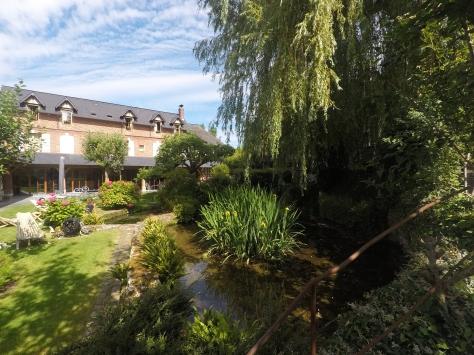 Francia-Honfleur-Hotel-Auberge-Source