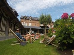 Francia-Honfleur-Hotel-Auberge-Source-x4